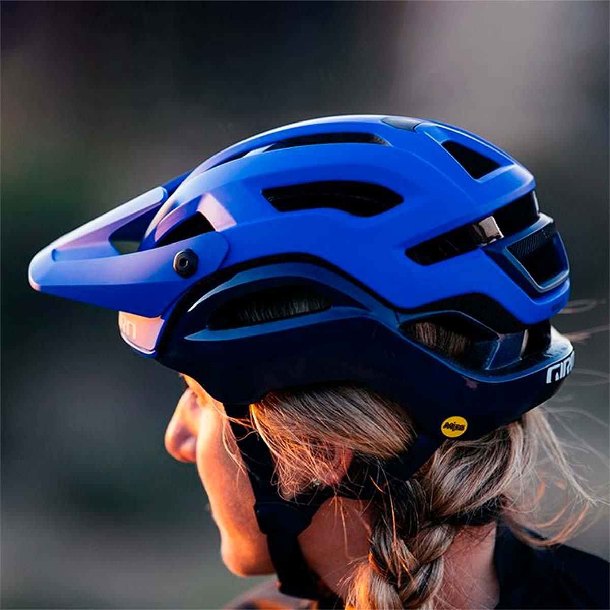 Giro Manifest, un casco de MTB con sistema de protección MIPS Spherical